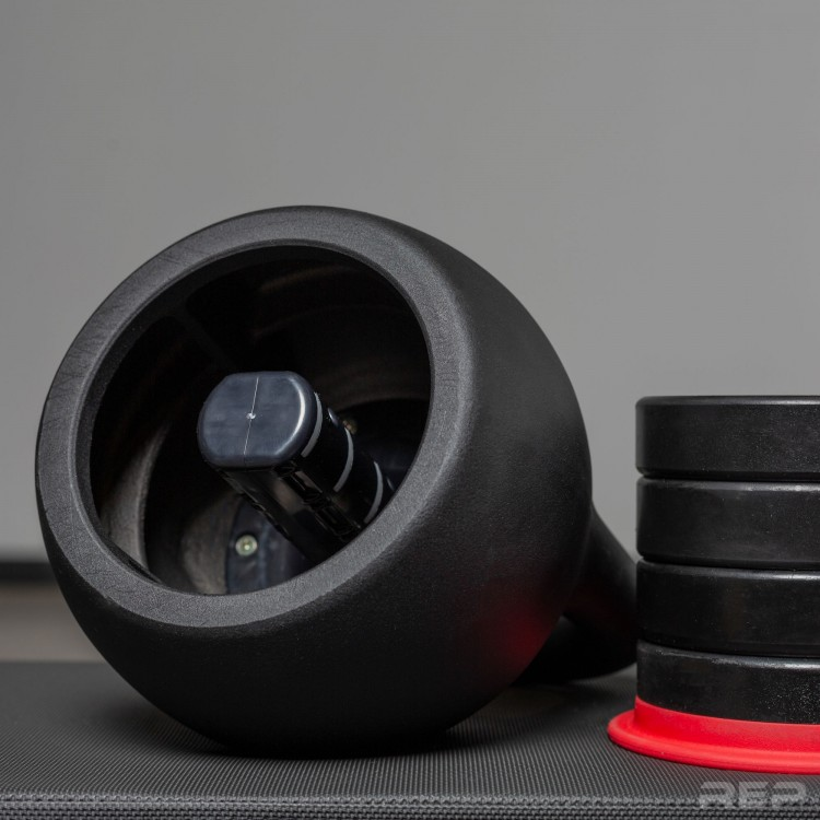 adjust the weights for these kettlebells - compact home gym equipment